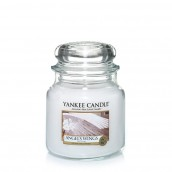 Yankee Candle Angel's Wings Geurkaars Medium Jar Candle (90 branduren)