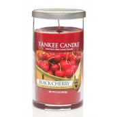 Yankee Candle Black Cherry Geurkaars Medium Pillar Candle (95 branduren)