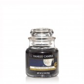 Yankee Candle Midsummer's Night Geurkaars Small Jar Candle (40 branduren)
