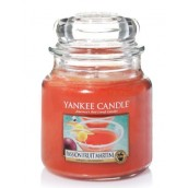 Yankee Candle Passion Fruit Martini Geurkaars Medium Jar Candle (90 branduren)