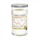 Yankee Candle Snow in Love Medium Pillar