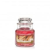 Yankee Candle Sparkling Cinnamon Geurkaars Small Jar Candle (40 branduren)