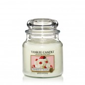 Yankee Candle Strawberry Buttercream Geurkaars Medium Jar Candle