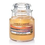 Yankee Candle Sunset Breeze Geurkaars Small Jar Candle (40 branduren)
