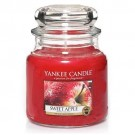 Yankee Candle Sweet Apple Medium Jar